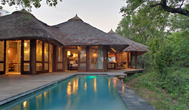Dulini Leadwood Lodge: Suite Exterior and Private Pool