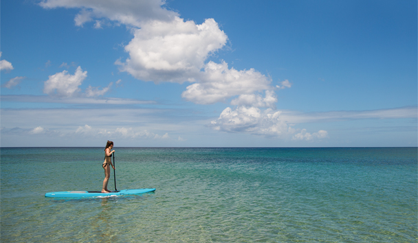 Paradise Beach Nevis: Stand-up paddle boarding