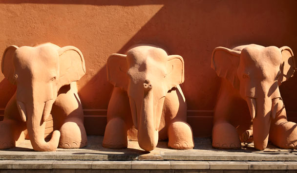 Anantara Golden Triangle, Elephant Statues