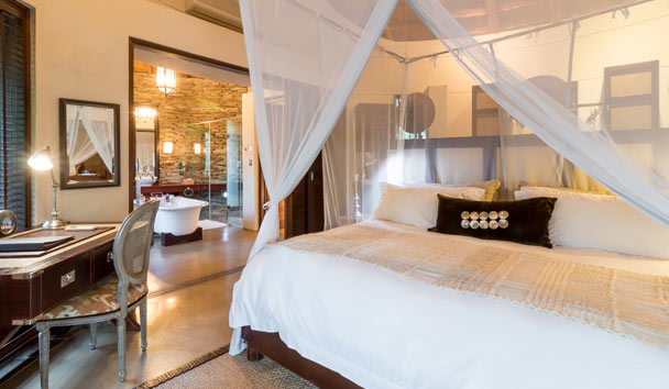 Makanyi Private Game Lodge: Pool Suite Bedroom
