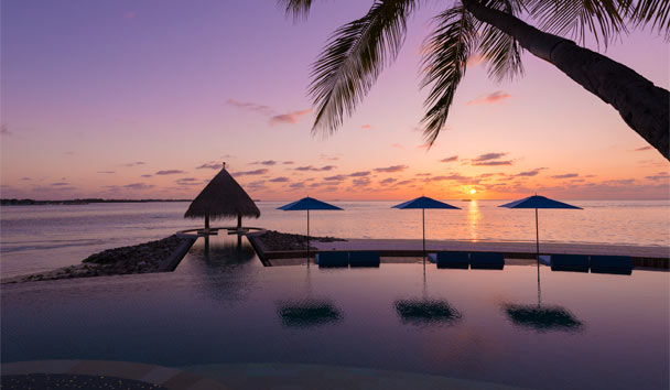 Four Seasons Resort Maldives at Kuda Huraa: Serenity Pool