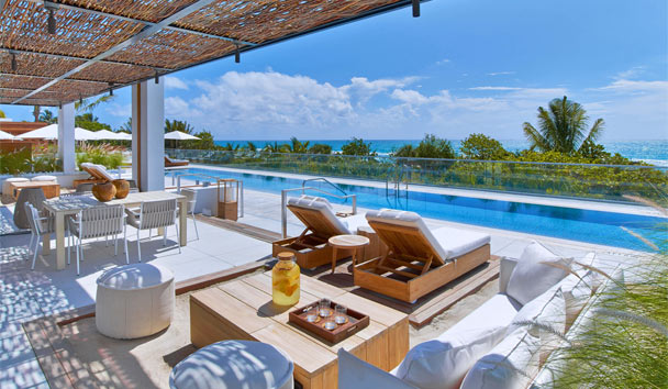 1 Hotel South Beach: Ultra Cabanas By The Pool
