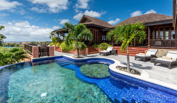 Calabash Luxury Boutique Hotel: Caribali villa pool