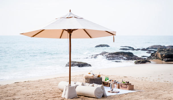 Anantara Peace Haven Tangalle Resort: Beach picnic