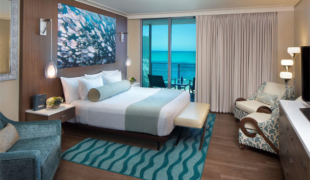 Opal Sands Resort Clearwater Beach: Deluxe King Guestroom