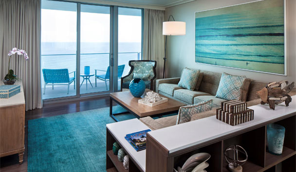 Opal Sands Resort Clearwater Beach: Deluxe Suite living room