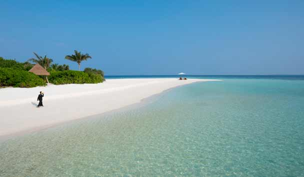 Four Seasons Private Island Maldives at Voavah: Private Beach