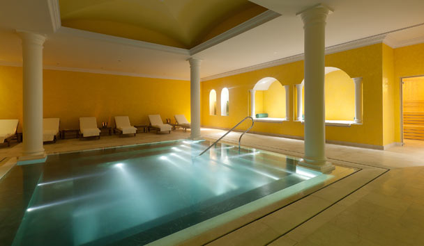 The Yeatman: Roman Pool at the Caudalie Spa