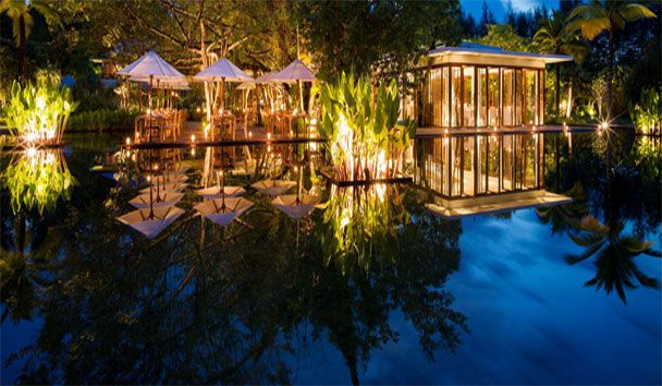 The Sarojin: Ficus Restaurant at Night