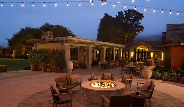Bernardus Lodge and Spa: Outdoor Lounging By The Firepit