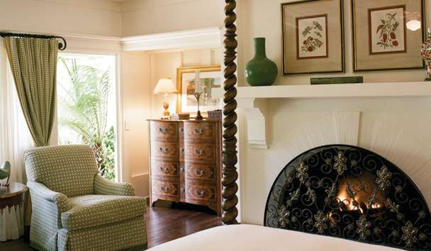 Four Seasons Resort The Biltmore Santa Barbara: Double Room with Fireplace