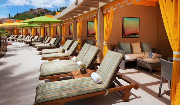 The Canyon Suites at The Phoenician: Pool cabanas