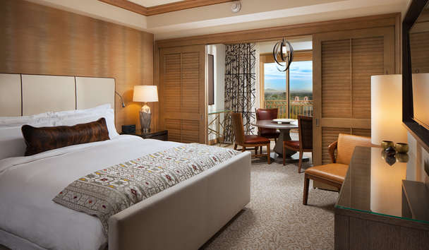 The Canyon Suites at The Phoenician: Canyon Suite bedroom