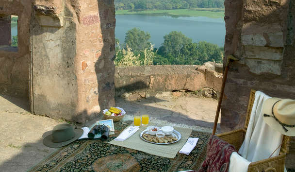 Aman-i-Khás: Breakfast at the Fort
