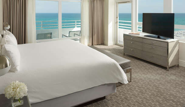 Fontainebleau Miami Beach: Ocean Front One Bedroom