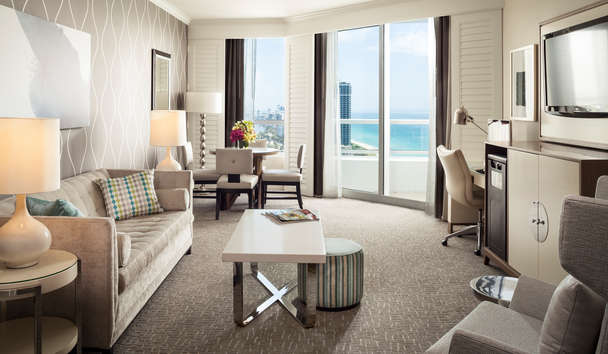 Fontainebleau Miami Beach: Tresor Ocean View One Bedroom Suite
