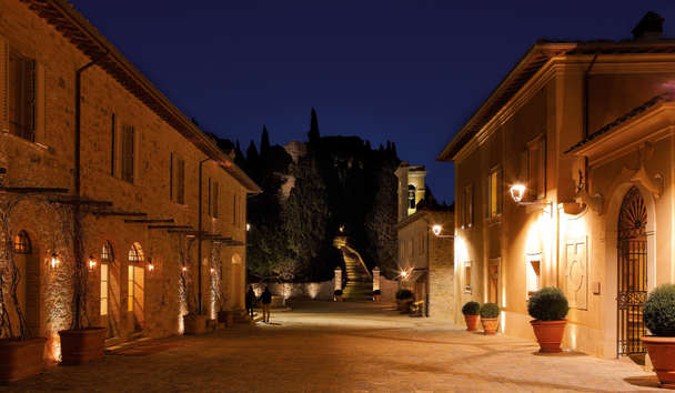Rosewood Castiglion del Bosco: Resort at Night