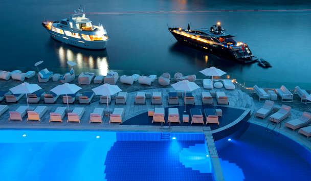 Petasos Beach Resort & Spa: Pool and Yachts