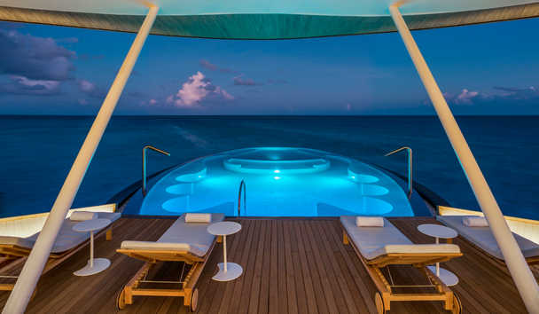 The St Regis Maldives Vommuli Resort: Blue Hole Hydrotherapy Pool