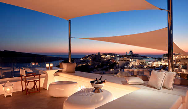 Canaves Oia Sunday Suites: Rooftop Bar At Night