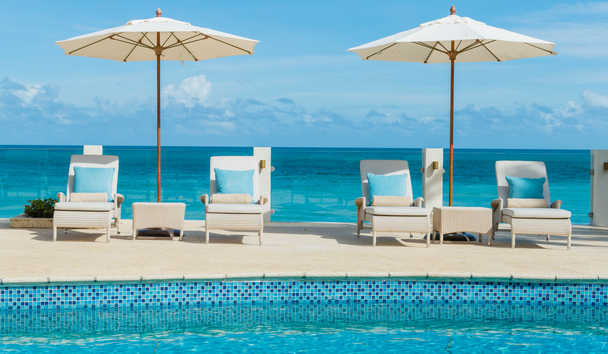 Blue Waters Resort & Spa: Sun Loungers