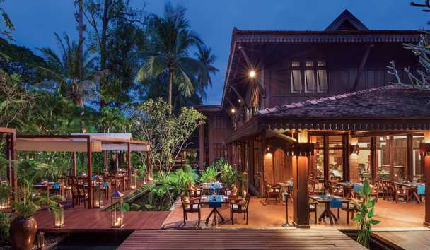 Belmond La Residence d'Angkor: Circle Restaurant Outside