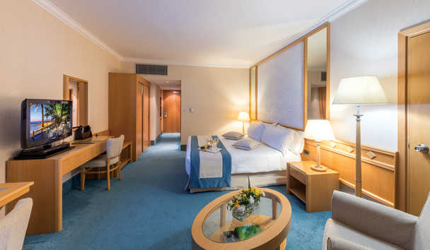 Constantinou Bros Asimina Suites Hotel: Junior Suite