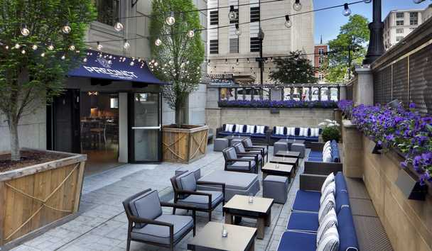 Loews Boston Hotel: Precinct Kitchen and Bar Outdoor Seating