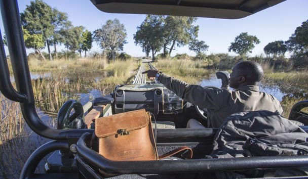 Duba Plains, Safari Vehicle