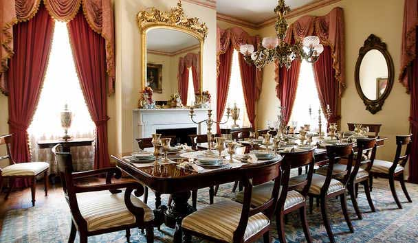 Monmouth Historic Inn: Dining