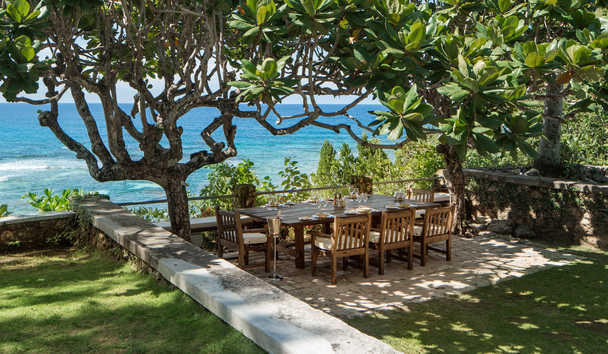 GoldenEye: Fleming Villa Outdoor Seating