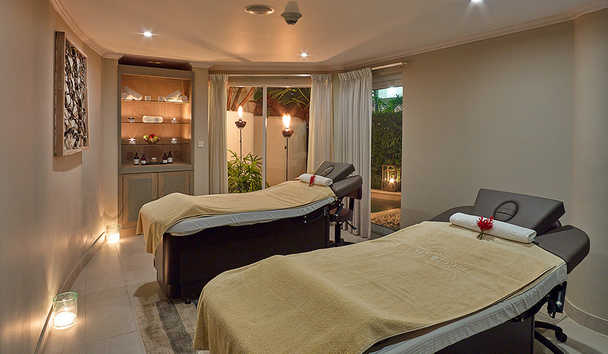 The House by Elegant Hotels: Couples Massage Room