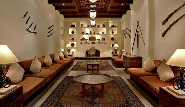 Al Maha, a Luxury Collection Desert Resort & Spa: Lobby Lounge