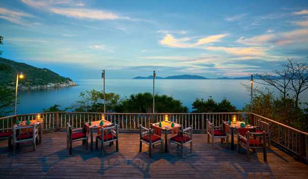 Six Senses Ninh Van Bay: Dining By The Rocks