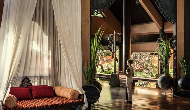 Anantara Golden Triangle Elephant Camp & Resort: Lobby Greeting