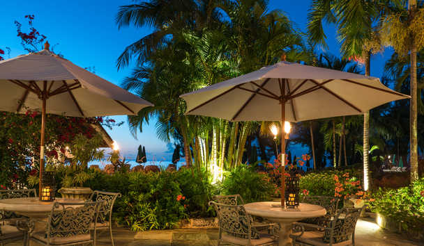 Coral Reef Club: Dining