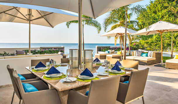 Mirador: Outdoor Dining