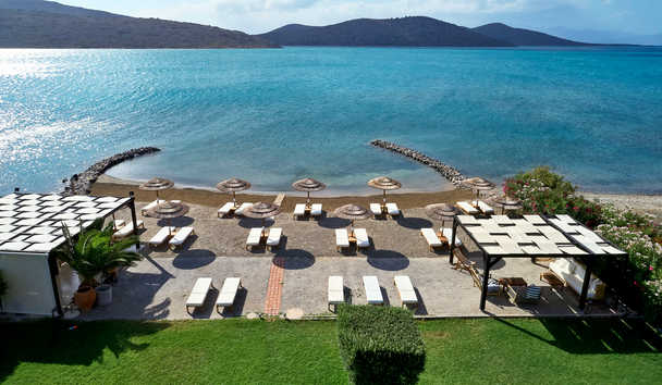 Elounda Gulf Villas & Suites: Beach and View