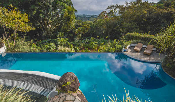 Finca Rosa Blanca Coffee Plantation Resort: Swimming pool