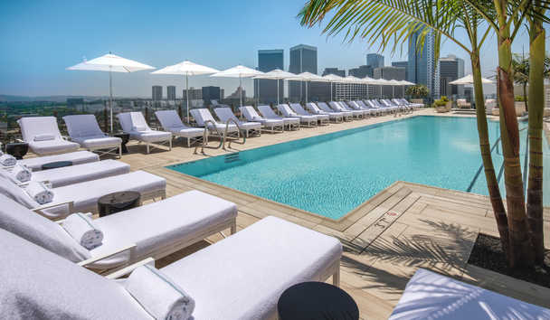 Waldorf Astoria Beverly Hills: Rooftop pool