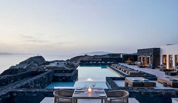 Canaves Oia Epitome: Swimming Pool and View