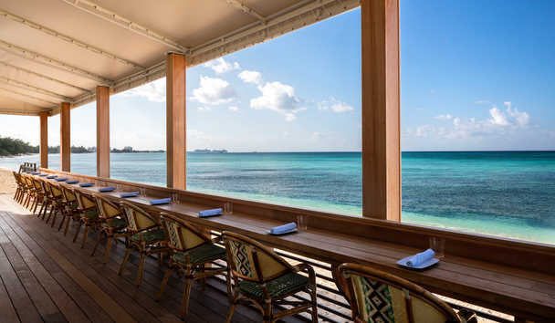 Kimpton Seafire Resort & Spa: Beach Bar