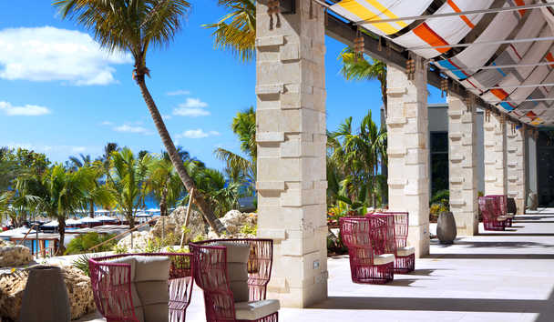 Kimpton Seafire Resort & Spa: Outdoor Seating