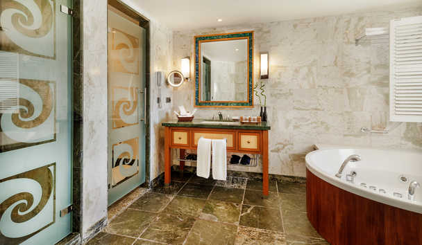 Kempinski Barbaros Bay: One Bedroom Suite Bathroom