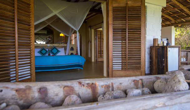 Matemwe Retreat: Villa Bedroom Overlooking the Beach