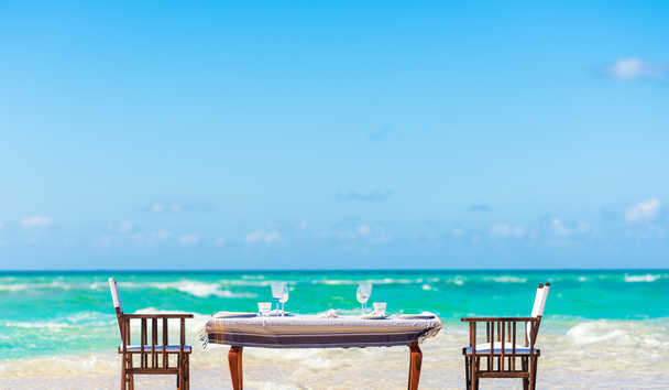 Thanda Island: Beach Dining