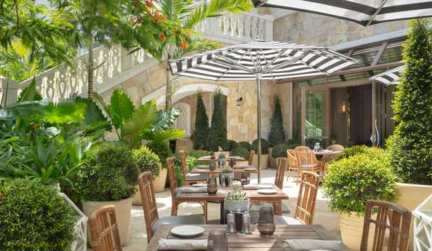 Rosewood Baha Mar: Commonwealth Outdoor Dining