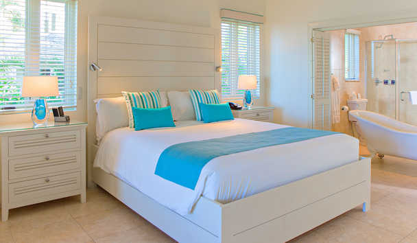 Blue Waters Resort & Spa: Deluxe Beachfront Room