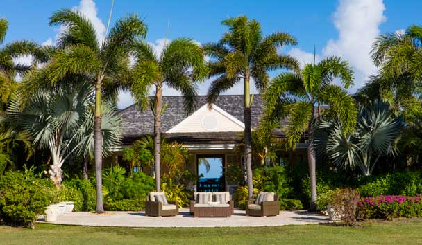 Oleander Estate House at Jumby Bay Island: Garden Seating