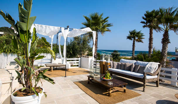 Canne Bianche: Poolside